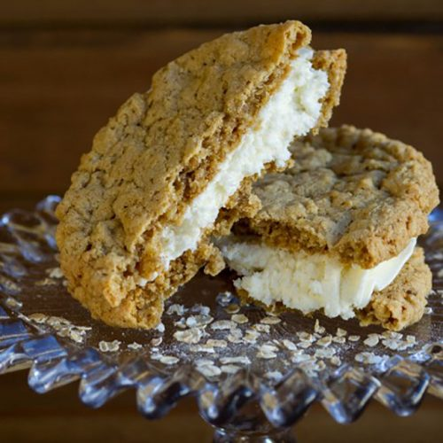 oatmeal sandwich cookie at alaska cake studio