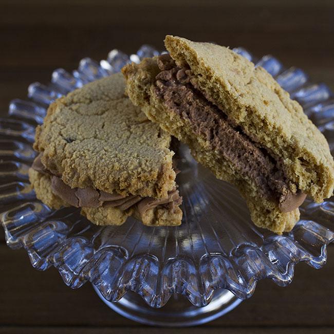 peanut butter sandwich cookie at alaska cake studio