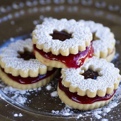 strawberry linzer cookie at alaska cake studio